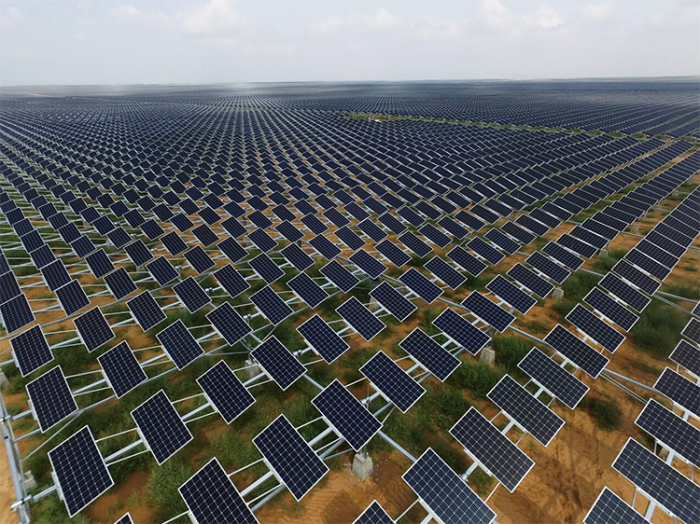 8e227e8210f89850ecbf366a82045902_The-Largest-Agricultural-Light-Complementary-Photovoltaic-Power-Generation-Program-in-Ningxia-China-02-700x524.png